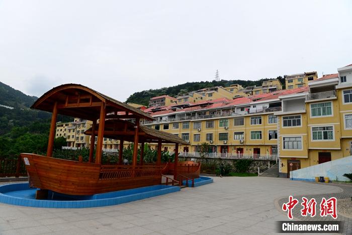天富:福建福安天富连家船民搬迁上岸渔村旧貌换新颜图片