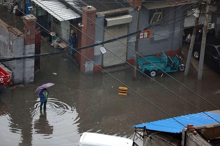 16时34分,朝阳区小红门七号路,部分路段出现积水。