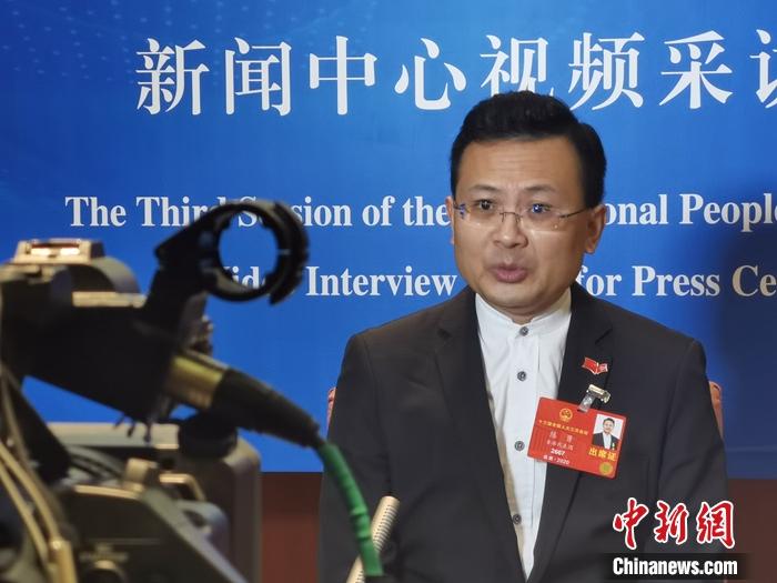 港区全国人大代表、香港民建联副主席陈勇接受采访 受访者供图