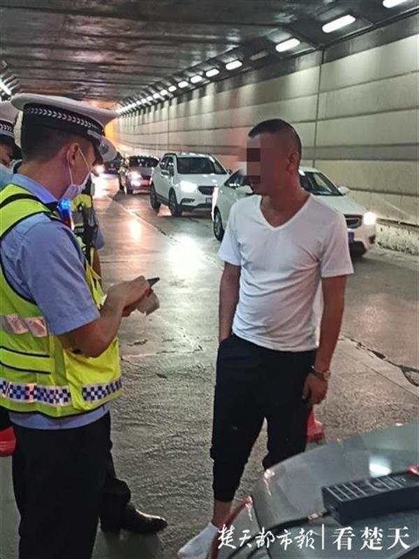 驾驶证因酒驾被暂扣又醉驾,胆大司机二次喝酒开车被刑拘