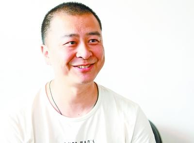"""舒朝:方舱医院开通""""寻亲频道"""" 帮200余医护""""报平安"""""""