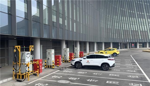 抢鲜儿|行业领先!大兴机场新能源车占比达7