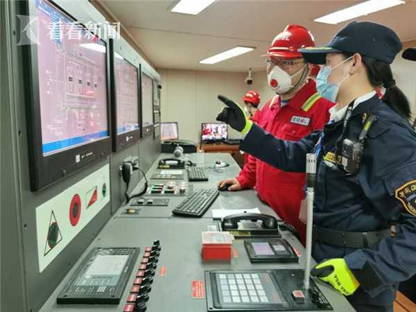 洋山海事保障临港新片区两艘PSV船舶交付