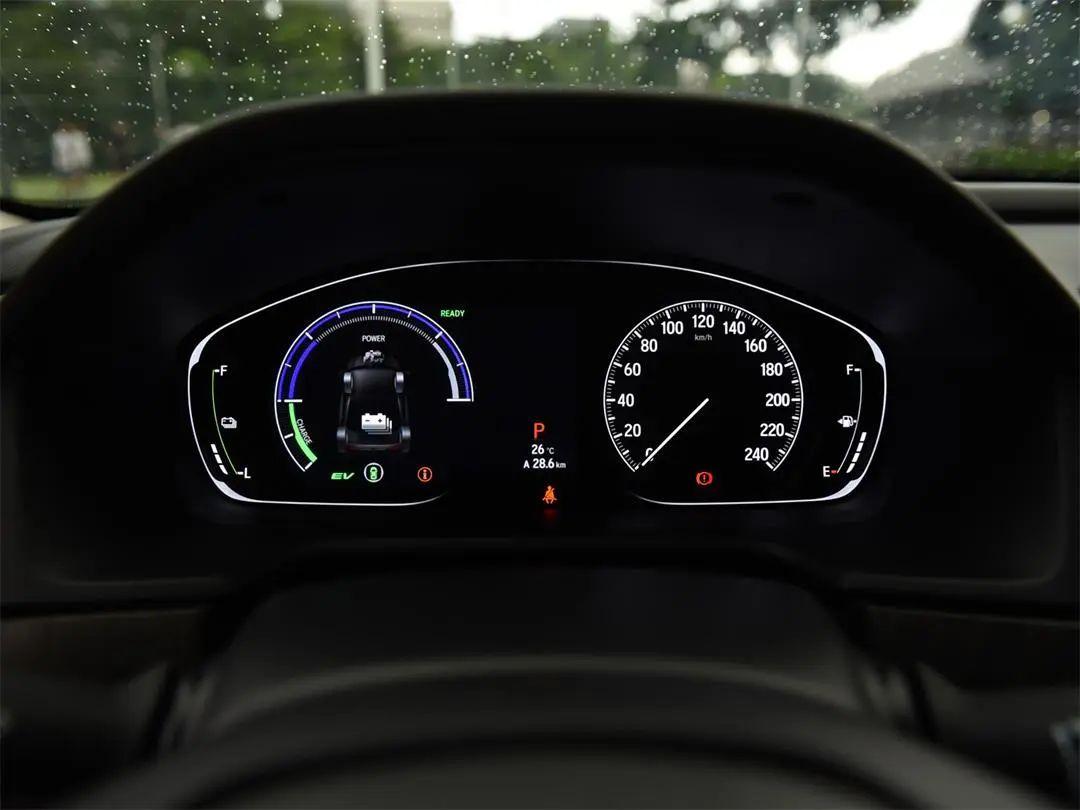 """这车油耗""""不太正常"""",轴距近2.9米的B级车百公里油耗才5.4L?"""
