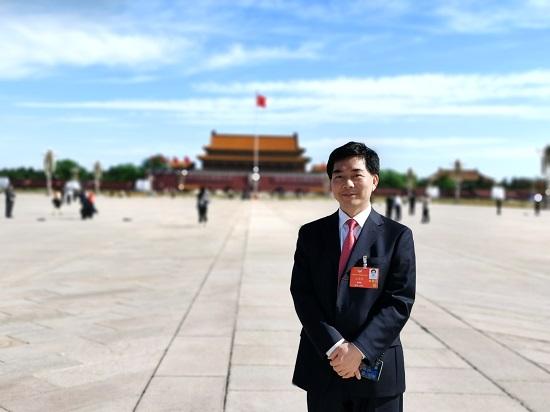 李延萍代表、王学坤委员:在全国层面推进各项未成年人保护机制图片