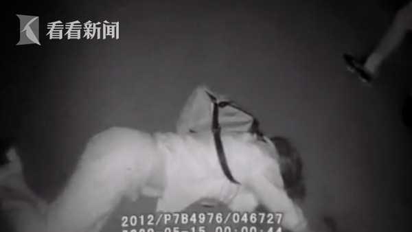 视频|民警小哥哥好温柔 女子醉倒路边:你一来我就清醒图片