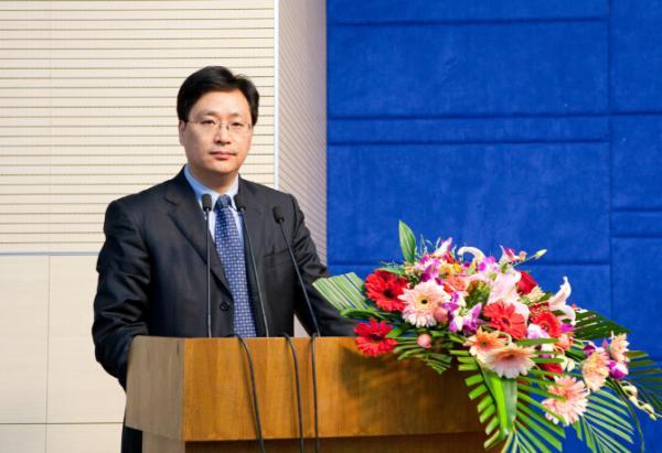 河海大学法学院院长、教授杨春福已加入东南大学法学院