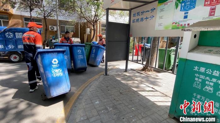 推进城市生活垃圾分类,对改善人居环境有重要意义。 屈丽霞 摄