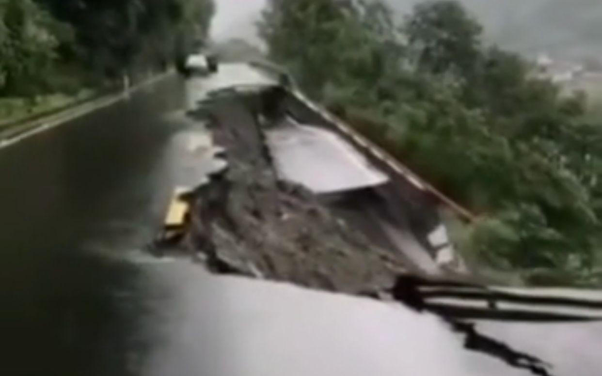 云南怒江发生多起泥石流致2人受伤2人失踪图片