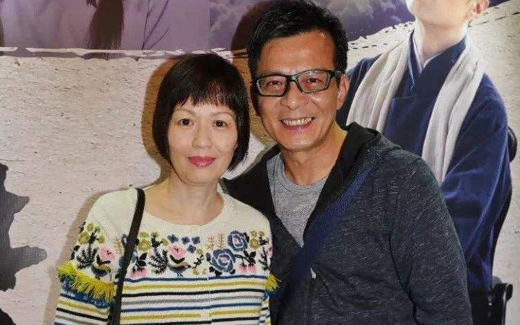 黄日华太太、演员梁洁华病逝,照顾多年不离不弃图片