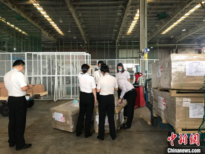 马来西亚200公斤净燕抵达广西钦州 疫情致进口迟缓