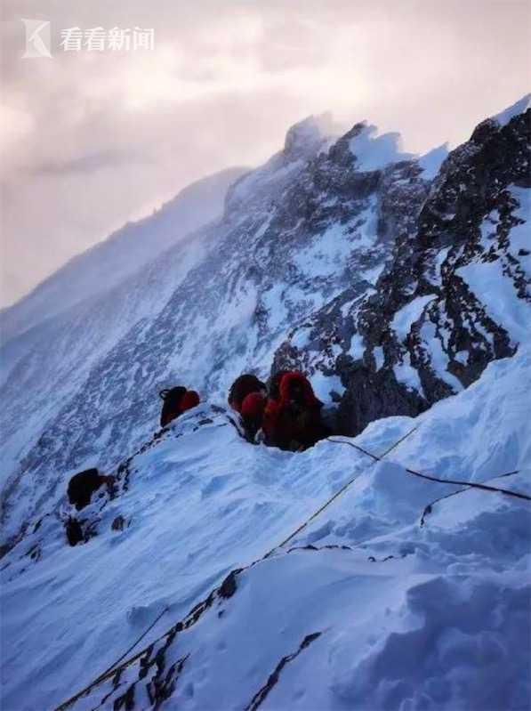视频|登顶!2020珠峰高程测量登山队站上喜马拉雅之巅图片