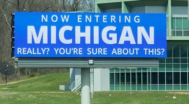 美国印第安纳州在边界立广告牌 提醒民众前往密歇根州要三思