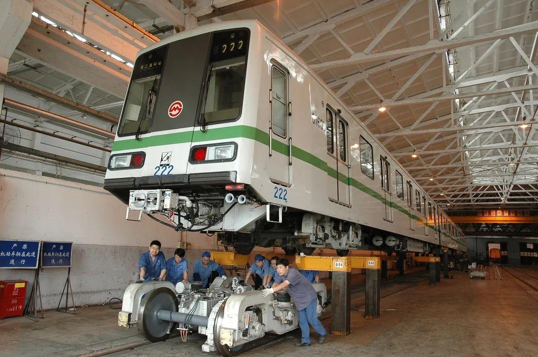 上海地铁今天27周岁了!胖头鱼、西瓜…你知道每条线路的昵称吗?