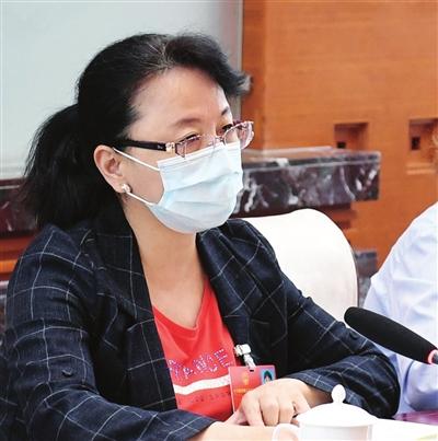 全国人大代表、天津第一机床总厂装配三车间副主任 巩建丽