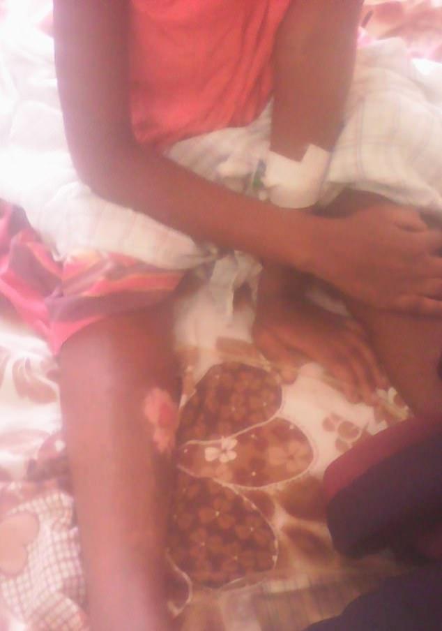 惨!乌干达穆斯林父亲因女儿转信基督教,竟泼汽油点火将其焚烧