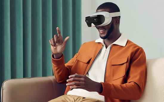 HTC前首席执行官推出专注于直观社交的5G VR头显XRSpace Mova