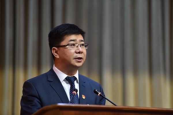 全国人大代表王刚:贯彻新发展理念 推动高质量发展 奋力开创克拉玛依升级转型发展的新局面