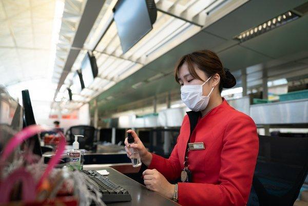 香港航空为前线员工和乘客加强多项防疫措施 | 美通社
