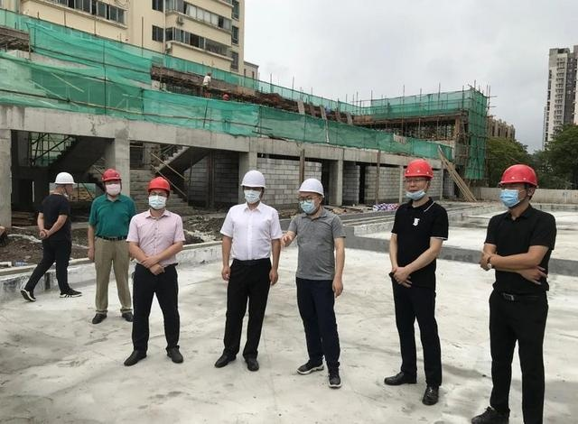 刘德平局长调研深圳昆仑鸿星冰球气膜馆建设工作