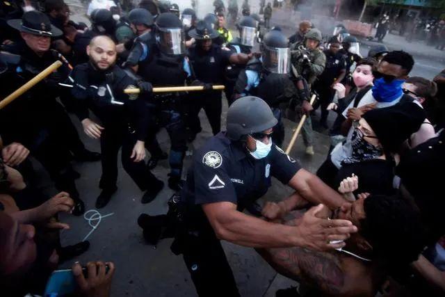 亚特兰大发生抗议示威。图源:美联社