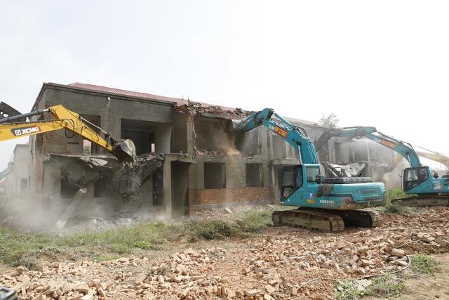 河北衡水市桃城区拆除1.4万平米违建别墅