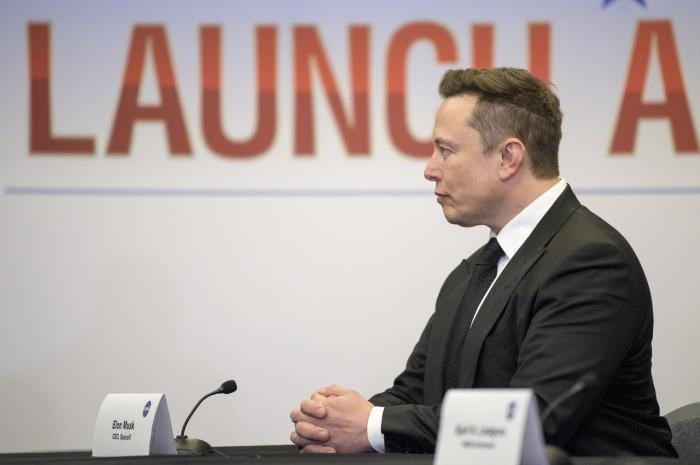 """SpaceX实现载人首飞 马斯克""""疯狂""""的太空梦又近一步"""
