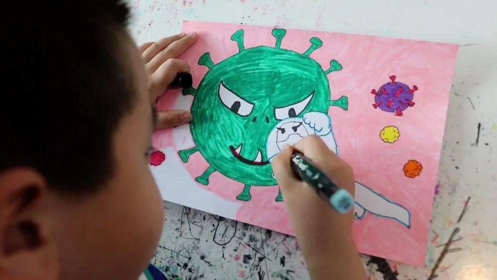 摩天平台,春摩天平台天的童画图片