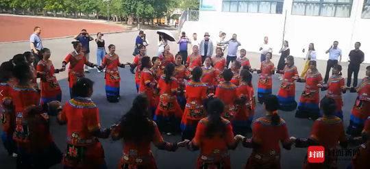 凉山州布拖县620名学生正在江油市学习和成长