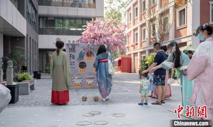 摩天平台:南京千年古巷摩天平台多措开拓新消费图片
