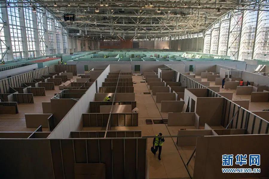 ▲这是5月2日在俄罗斯首都莫斯科拍摄的正在修建中的临时医院。(新华社/卫星社)
