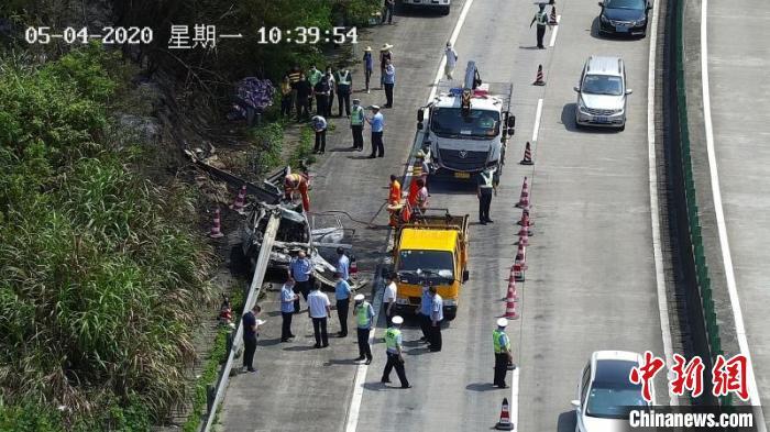 广东连州致5人死亡交通事故原因查明:司机疲劳驾驶图片