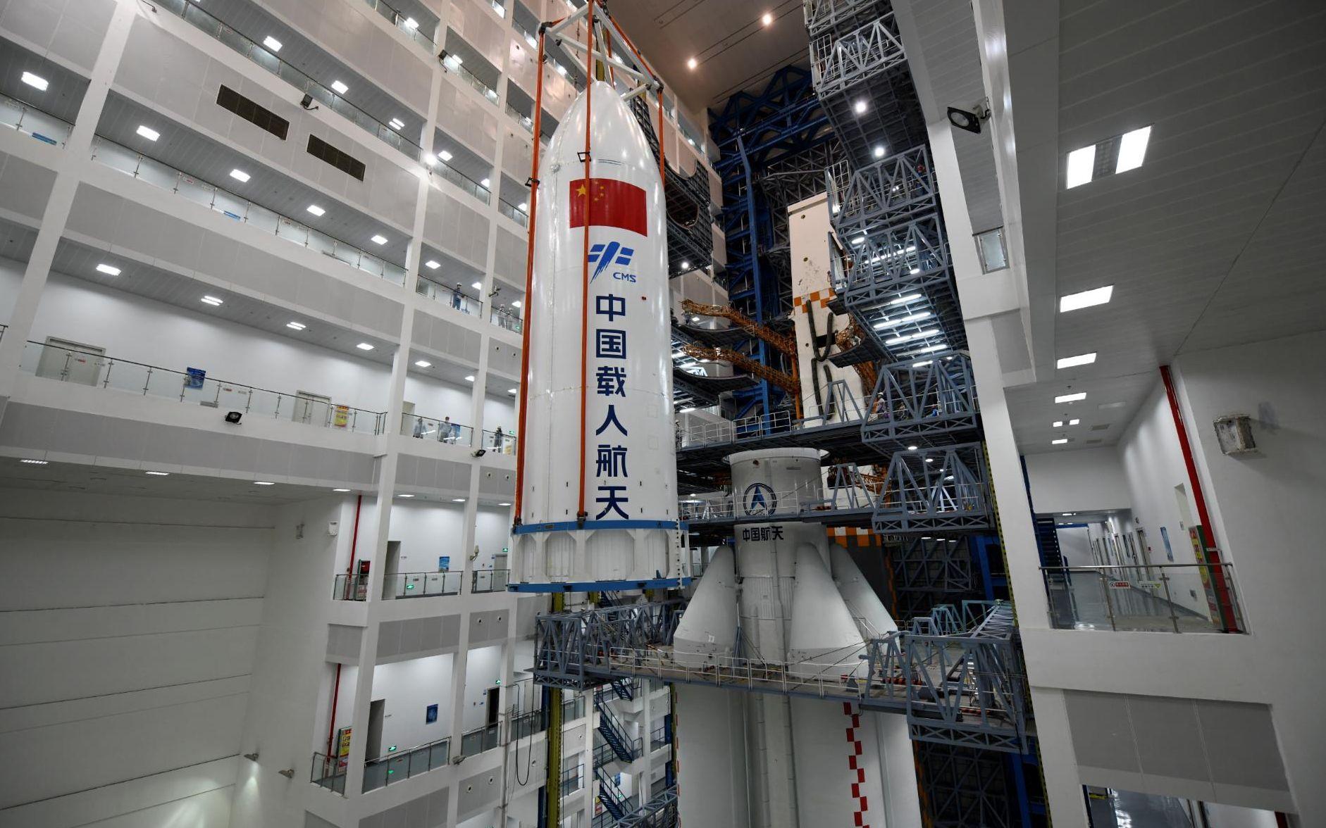 长五B整流罩达到20.5米,是中国最大的火箭整流罩。史啸 摄