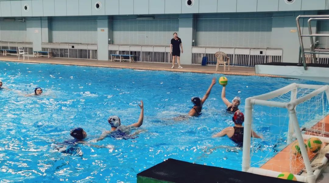 游泳中心举行女子水球冬训考核测试赛
