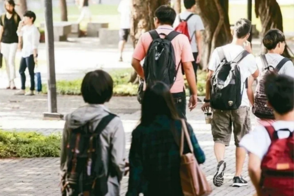台湾高中生霸凌少女险致命危 疑遭报复被砍成重伤