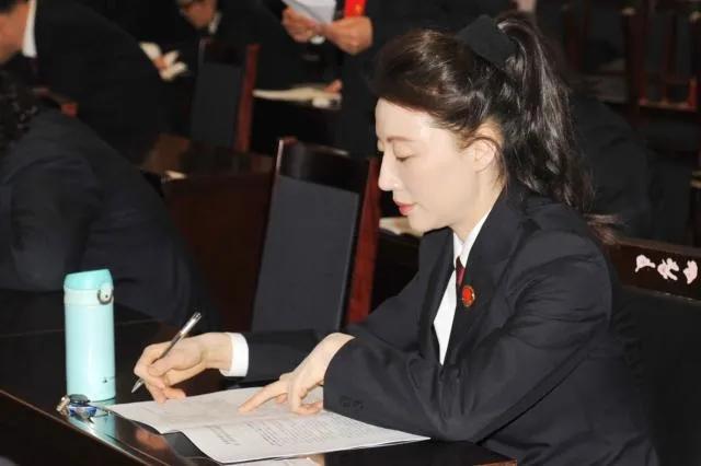 摩天注册,察院原副检察长摩天注册李钰严图片