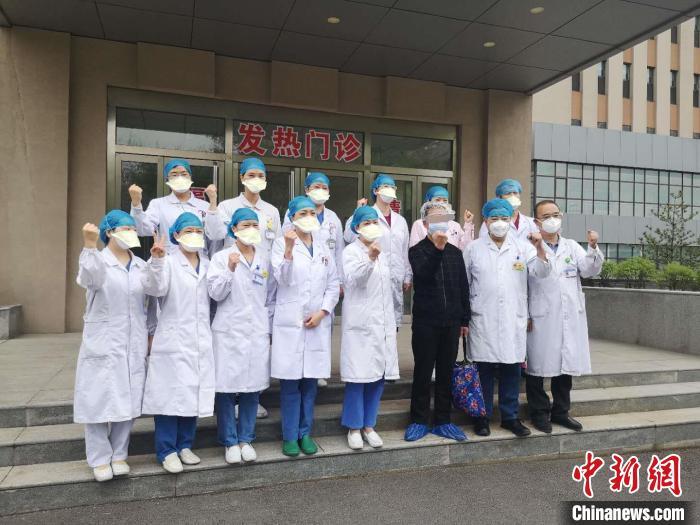 截至目前,山西本地确诊患者全部治愈出院。 范丽芳 摄