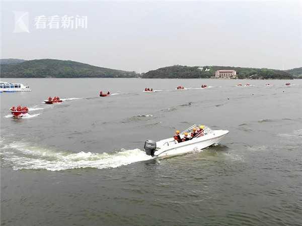 视频|辽宁举行抗洪演练:无人机抛下救生圈,20秒救人图片