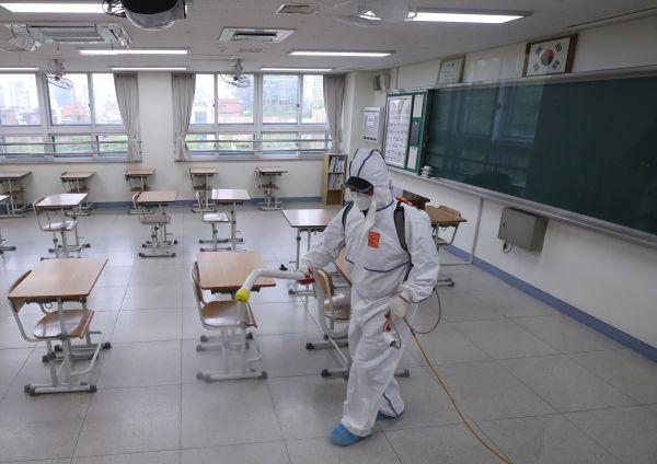 已超3月历史峰值 韩国首尔新冠疫情加重