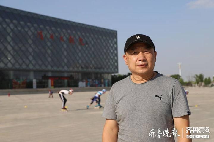 深圳晚报编委赵青:休闲健身一体化广场 市民周末有了好去处