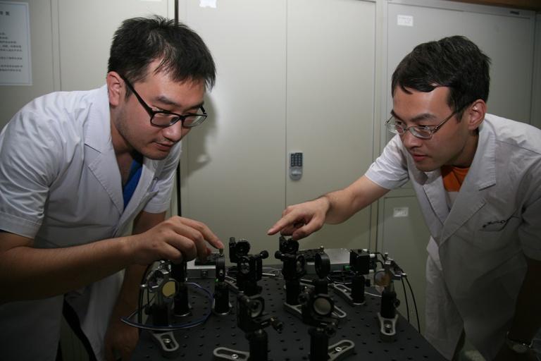 自由空间调制解调激光时频传递研究取得新进展