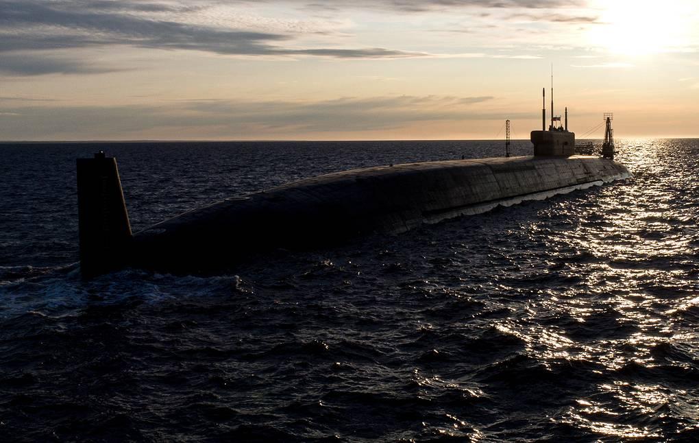 """俄最新型战略核潜艇""""弗拉基米尔大公""""号入役俄海军"""