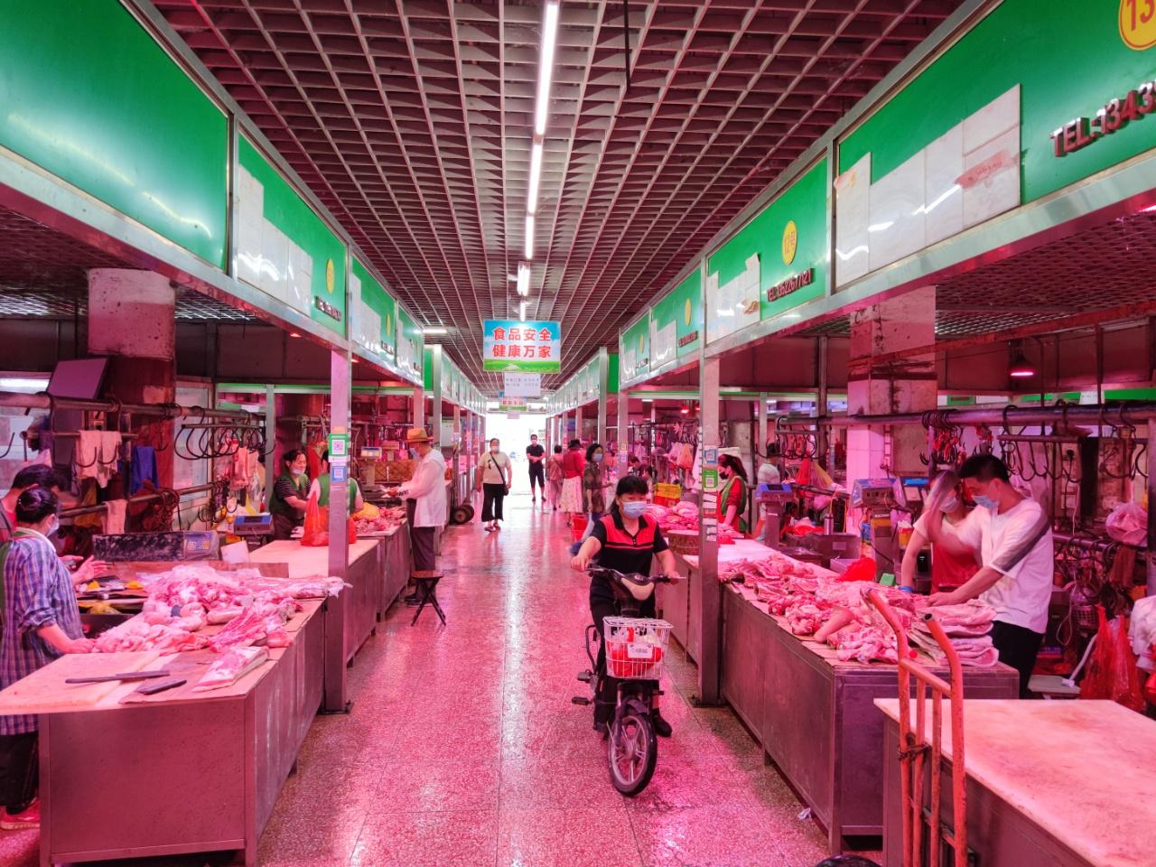 岳各庄批发市场鲜肉区可24小时不打烊图片