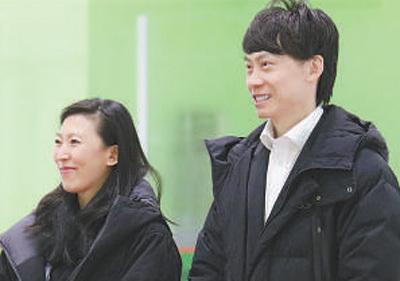 双人滑世界冠军庞清、佟健将花滑的梦想传递下去(奥运·人生)