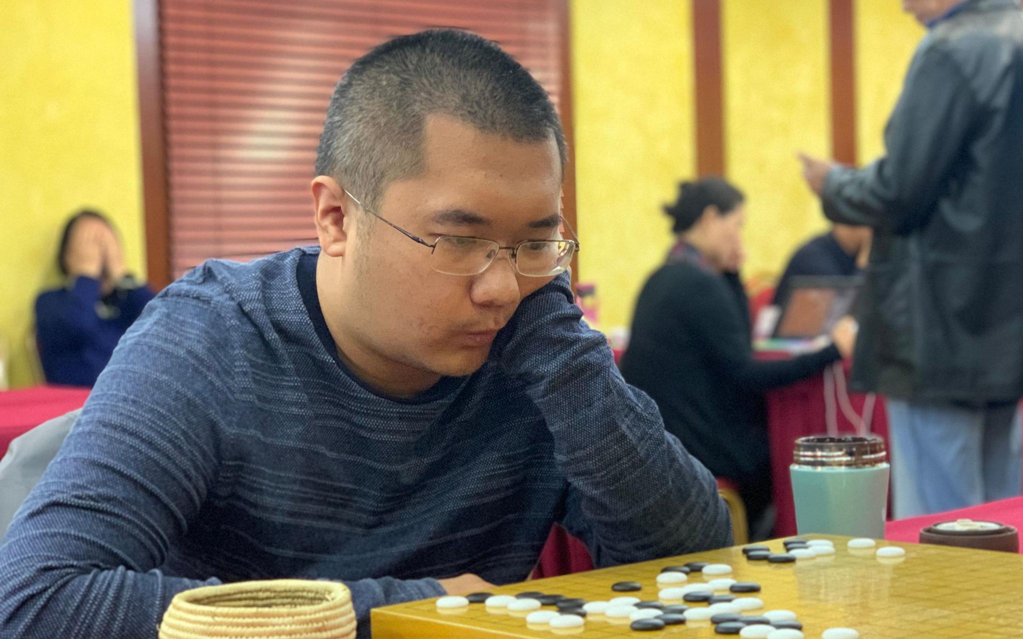 围棋西南棋王赛冷风劲吹,6位世界冠军首日出局图片