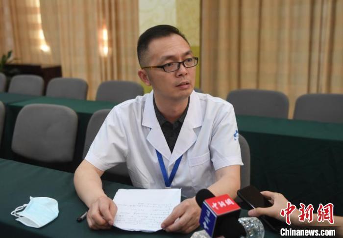 温岭东方医院实行院长陈金华。*** 摄