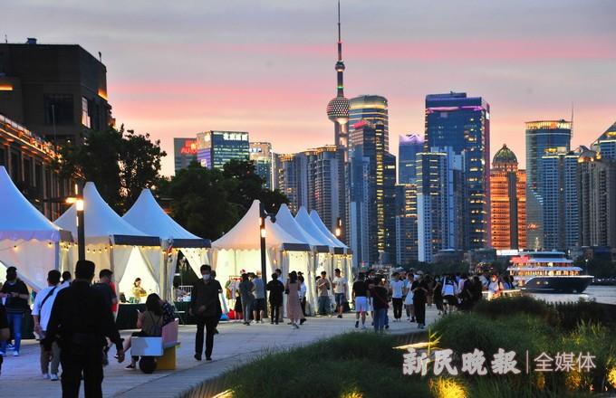 南外滩老码头滨江露营嘉年华 吸引市民前来夜游打卡