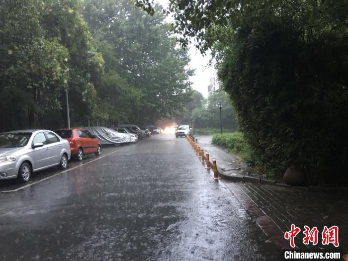 安徽发布暴雨黄色预警 265个乡镇降雨量超50毫米图片