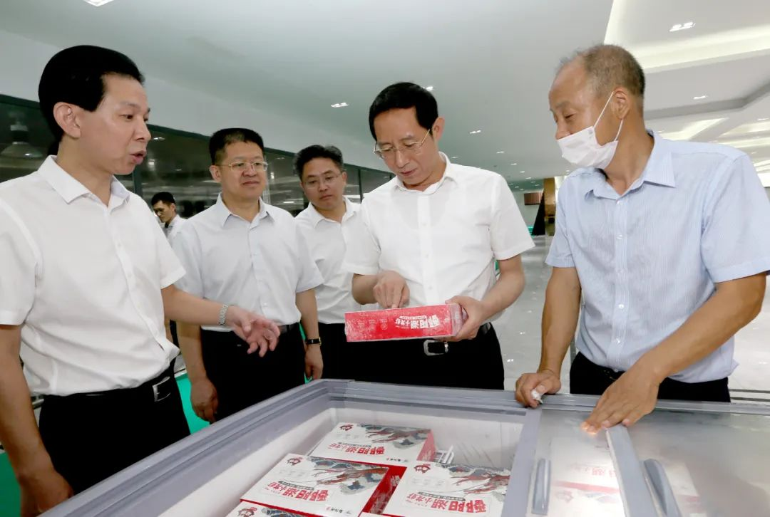 林彬杨在这三个县调研时,强调推动县域经济高质量发展行稳致远