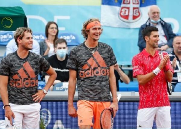 蒂姆、小兹维列夫和德约都参与了表演赛。